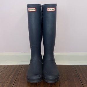 HUNTER boots - tall, navy, matte, and adjustable